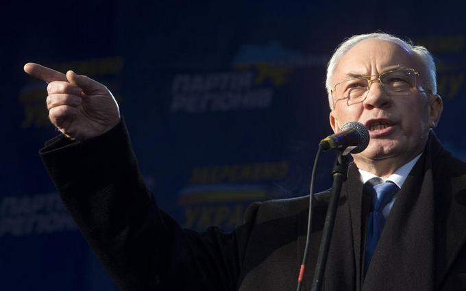 Азаров из Москвы грубо обозвал Яценюка