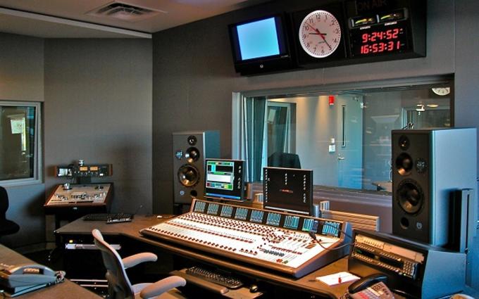 Порошенко прийняв рішення щодо гучного закону про українську мову на радіо