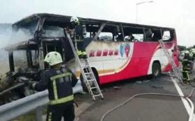 В Тайване сгорел автобус с туристами, погибли все: появились фото и видео