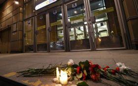 В Росії на акції пам'яті жертв теракту в метро Петербурга пройшли затримання