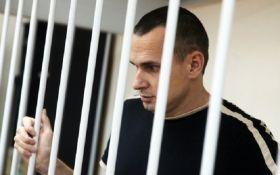Адвокат: у Сенцова через голодування сталася друга криза