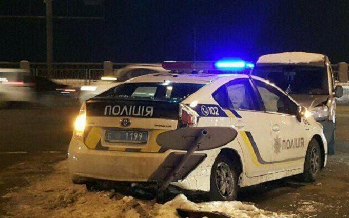 В Киеве полицейские попали в ДТП: появились фото