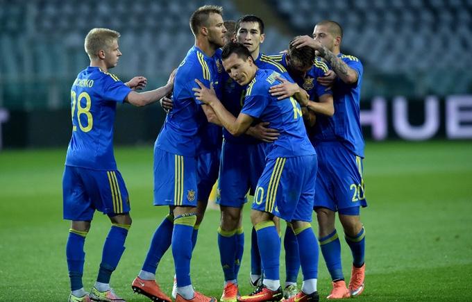 Україна увірвалася до двадцятки найсильніших футбольних збірних світу