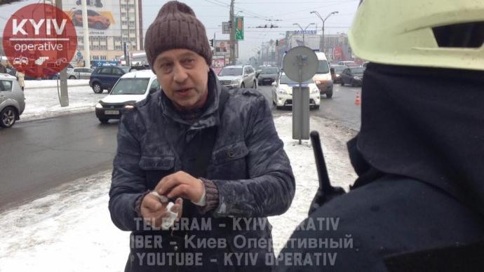 В Киеве машина загорелась прямо на ходу: опубликованы фото (3)