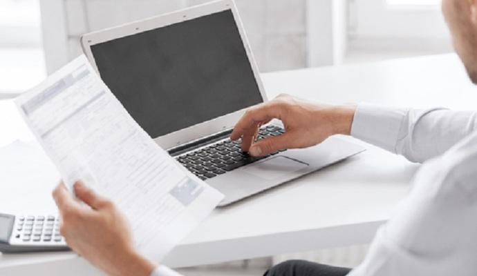 Зарегистрирован законопроект, отменяющий правку в госбюджете об отсрочке электронного декларирования
