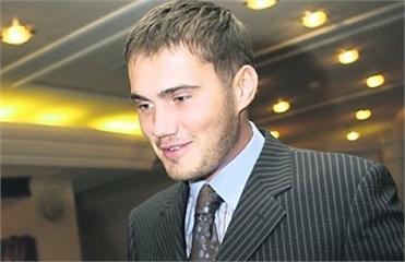 Семейный совет решил отправить Януковича-младшего в Раду