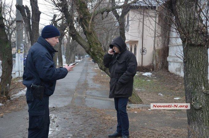 В Николаеве крупный полицейский чин разъезжал пьяным: опубликованы фото и видео (2)