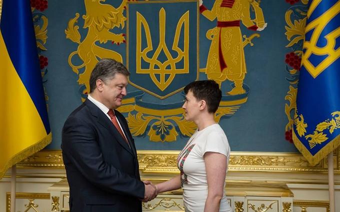 У Порошенко рассказали важные подробности освобождения Савченко и показали новые фото