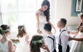 Учительница пригласила солнечных детей на свою свадьбу: трогательные фото