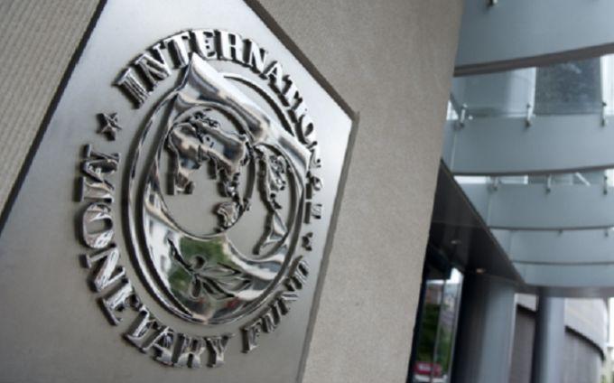 Порошенко анонсировал транши МВФ и Евросоюза