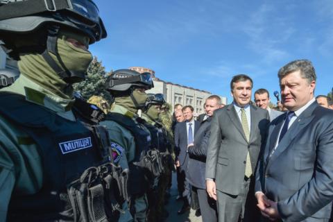 Робоча поїздка президента почалася з відкриття Центру обслуговування громадян Одеської міської ради (8 фото) (5)