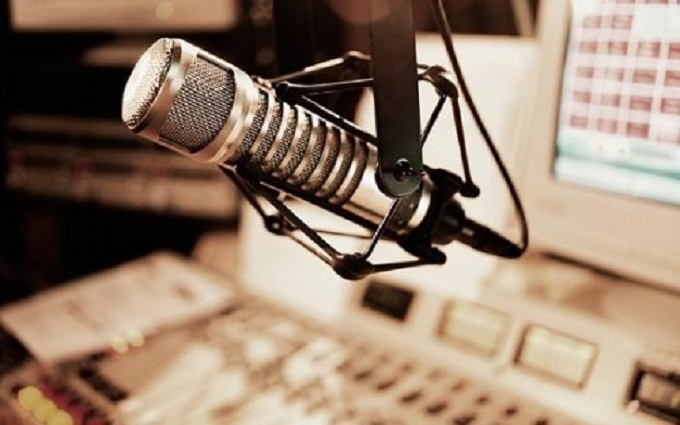 Рада ухвалила гучний закон про українську мову на радіо