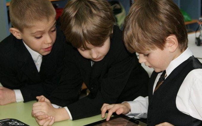 Учиться легко: список самых полезных приложений для школьников