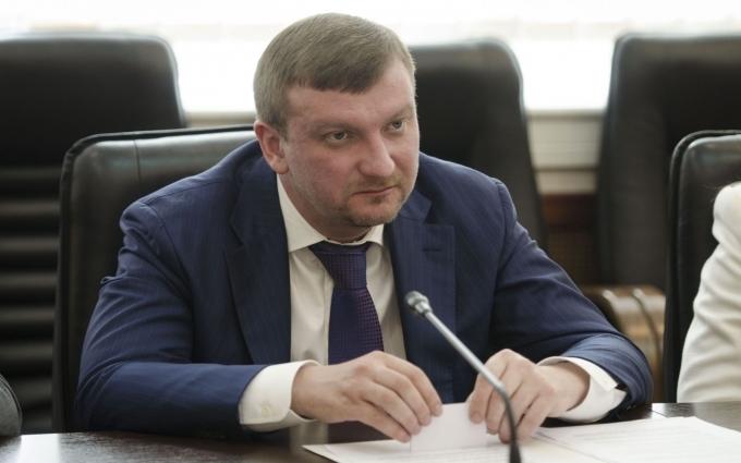 Є способи повернути в Україну гроші мафії Януковича - міністр юстиції Павло Петренко