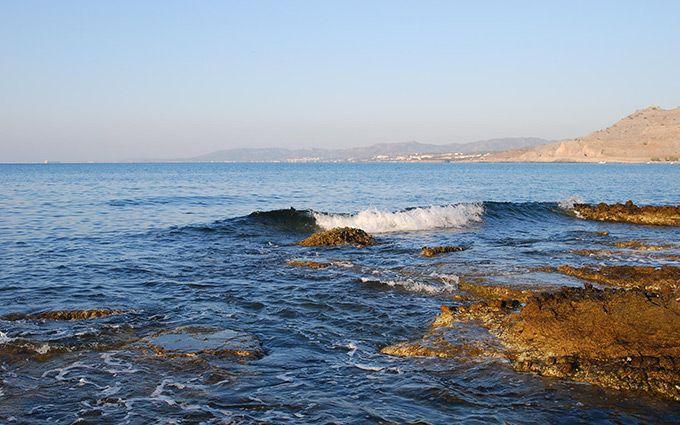 ВСредиземном море затонуло судно ссотней беженцев наборту