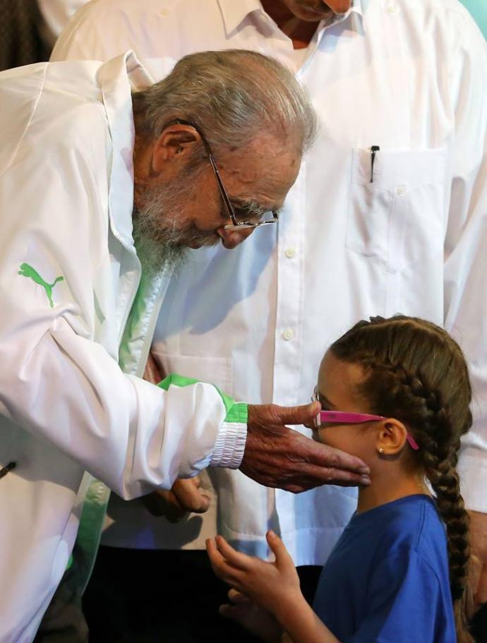 Фідель Кастро з'явився на людях в честь свого 90-річчя: опубліковані фото (1)