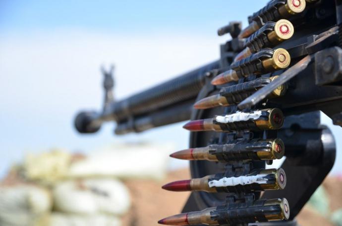 За прошлые сутки боевики 17 раз обстреливали позиции сил АТО (видео)