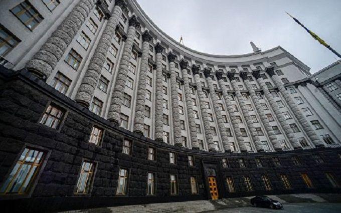 Правительство увеличило помощь семьям погибших военных до 1,2 млн грн