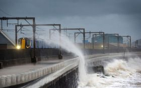 На Шотландию обрушился мощный ураган: появились яркие фото