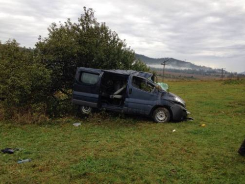 На Львівщині перекинувся автобус зі словаками: семеро людей травмувалися (4 фото) (4)