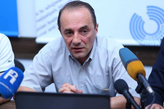 Усе дістало, на основі російських стандартів далі жити не можна - вірменський політолог (1)