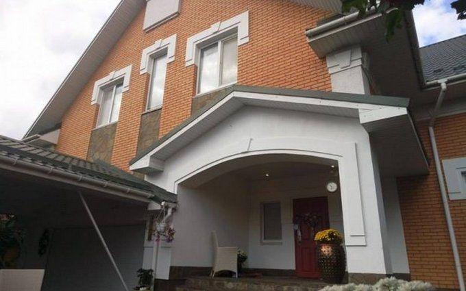 У будинку зниклого екс-глави Київщини все догори дном: з'явилися фото і відео