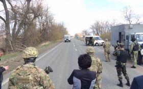Боевики ДНР передали Украине 14 пленных: появились фото