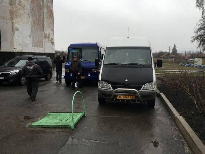 На выборах мэра Кривого Рога зафиксированы первые нарушения: появились фото и видео (2)