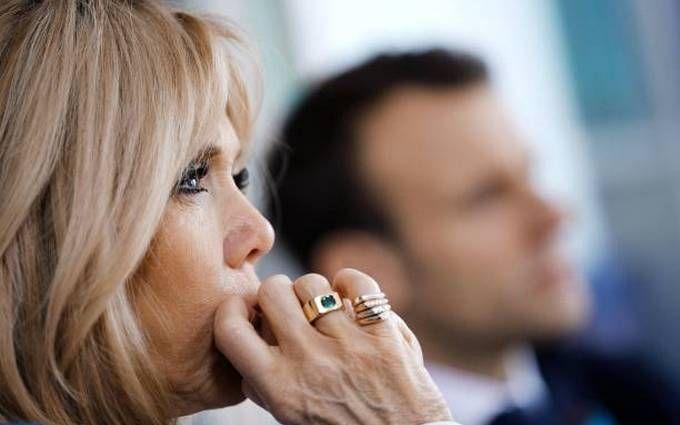 Перша леді Франції підкорила розкішним образом: опубліковані яскраві фото