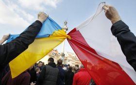 Обстрел Генконсульства Польши в Луцке: появилась реакция Киева и Варшавы