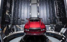Илон Маск отправит в космос свой автомобиль: прямая трансляция исторического запуска Falcon Heavy