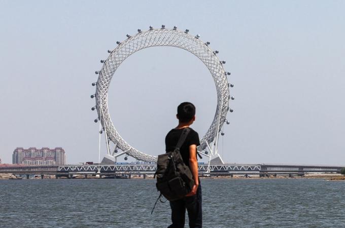 У Китаї створили найбільше в світі оглядове колесо без спиць: з'явилися фото і відео (5)