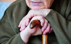 Провели спецоперацію: соцмережі шокував випадок з пенсіонеркою в Росії