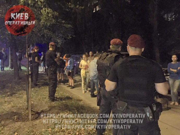 У Києві в жахливій ДТП на переході загинула дитина: з'явилися фото та відео з місця аварії (1)