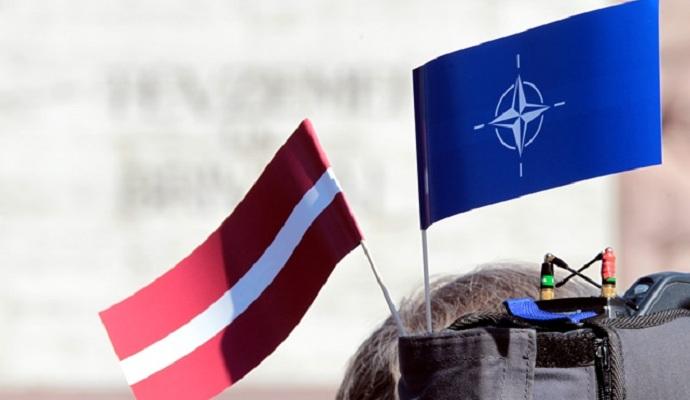 Глава МЗС Латвії попросив забезпечити довгострокову присутність в країні сил НАТО