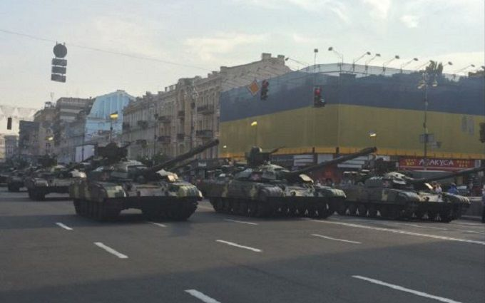 У соцмережах захоплюються новими фото з репетиції параду в Києві