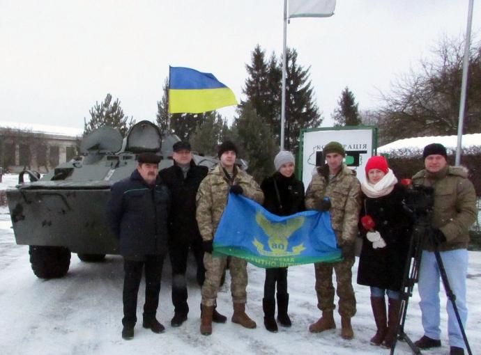 Львовским десантникам передали отремонтированный БТР-80 (3 фото) (2)