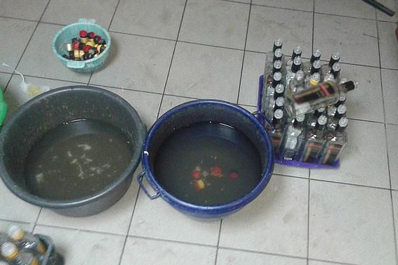 Подпольный водочный цех ликвидировали в Волынской области (10 фото) (8)