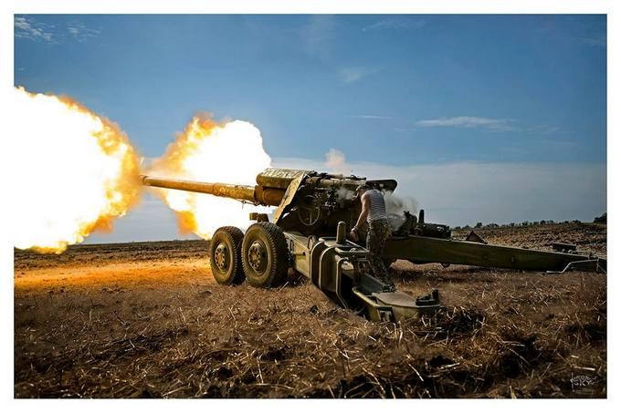 Появились впечатляющие фото боев на Донбассе (1)