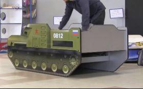 """Не тільки ліжко-""""Бук"""": мережу вразило відео з новими дитячими меблями з Росії"""