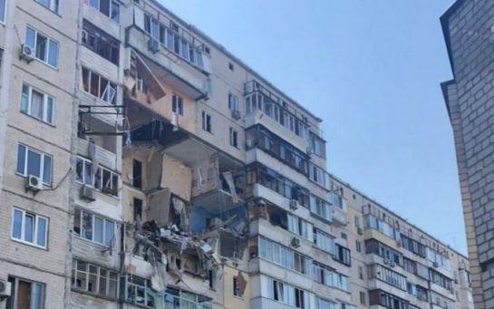 У Києві в багатоповерхівці прогримів потужний вибух - фото і відео з місця події