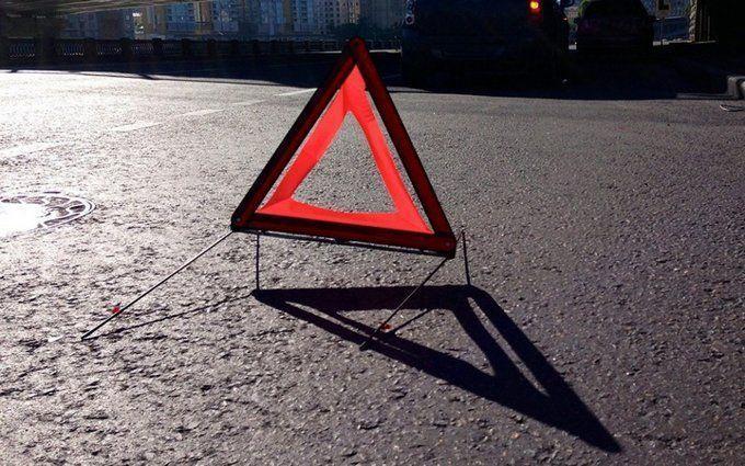 Нічна ДТП у Києві: на Хрещатику автівка збила двох пішоходів, з'явилися фото
