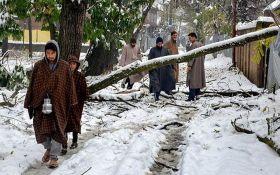 Вперше за останні 10 років Індію накрив потужний снігопад: видовищні фото і відео