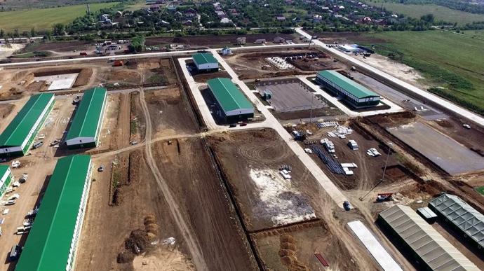 Росія будує військову базу біля кордону України: опубліковані фото (1)