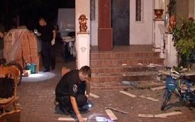 В Киеве жилой дом забросали гранатами: появились фото и видео
