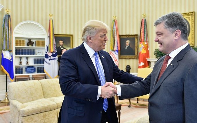 Неочікувано: Трамп планує провести переговори з Порошенком