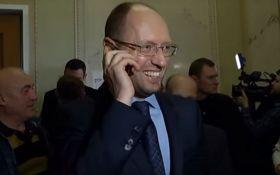 Интерпол отказал России в розысках Яценюка