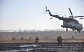 Украинские морпехи отбили у врага аэродром: появились яркие фото учений