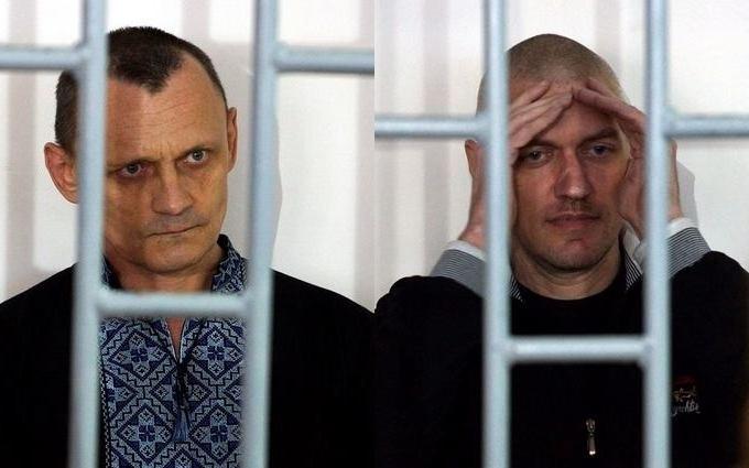 Адвокат Савченко вступився за українських в'язнів у Чечні і показав відео з війни