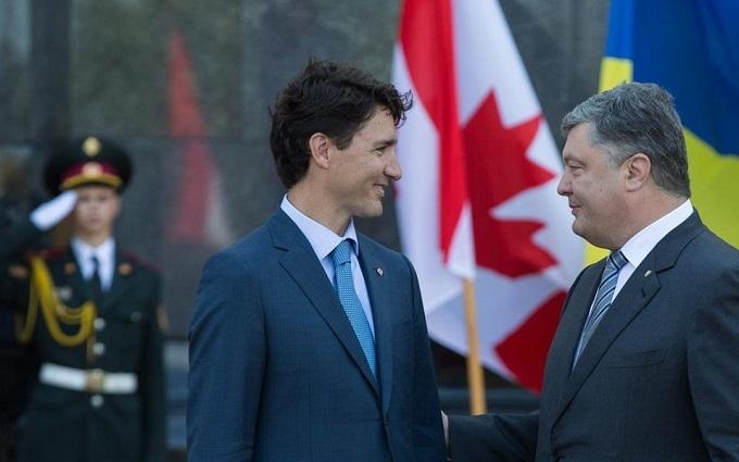 Порошенко розповів, як Канада допоможе у війні з Росією